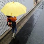 子どもが持ち歩くのに丈夫な折りたたみ傘は?長持ちのコツは身長に合わせて選ぶ