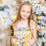 クリスマスプレゼントにおすすめの子供に贈るロングセラー本は?