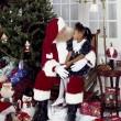 サンタクロースと子供の画像