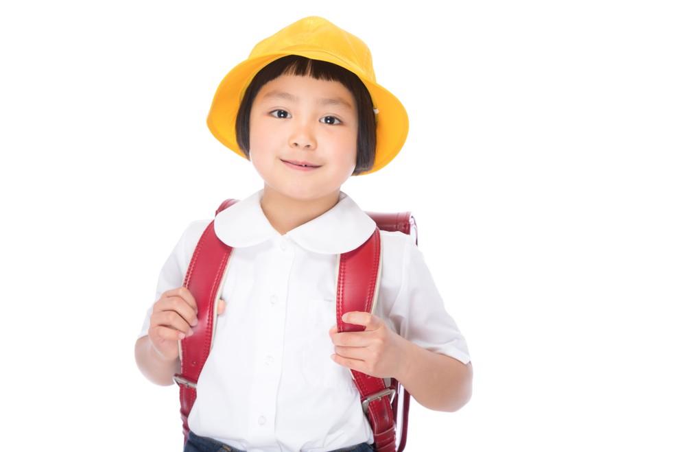 小学生の女の子の画像