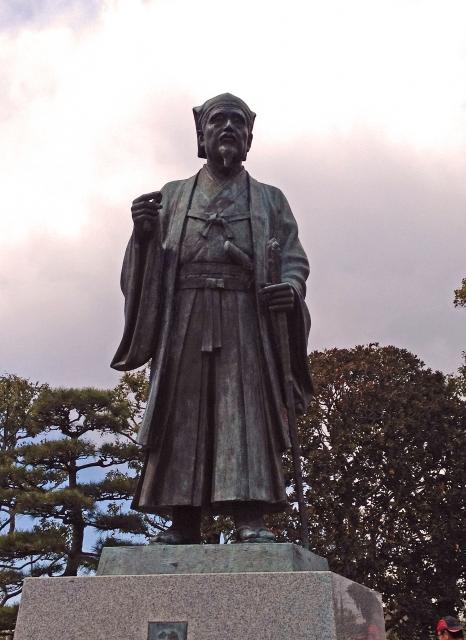 水戸光圀の像の画像