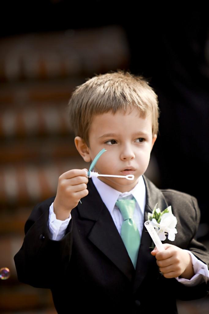 結婚式の服装 男の子の画像