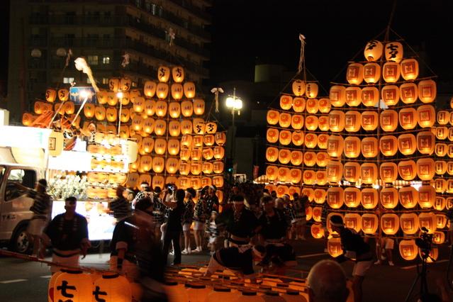 秋田の竿燈の画像