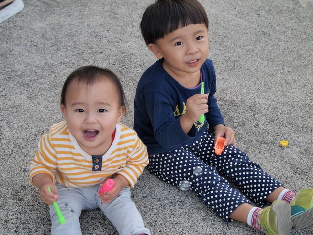 赤ちゃんと幼児の画像