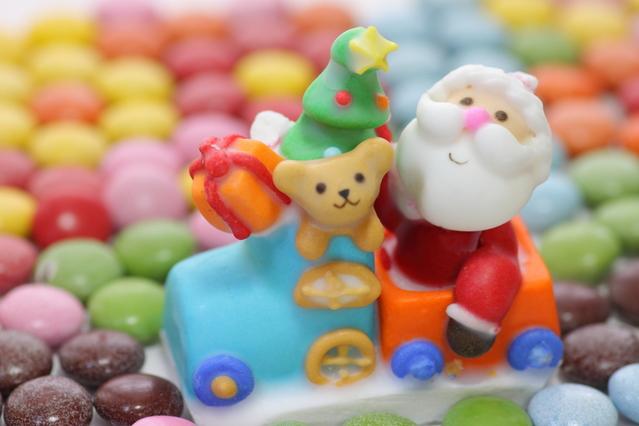 サンタクロースの置物の画像