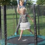 トランポリン運動の効果がスゴイ!子供の運動神経の発達に最適&楽しくダイエット
