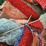 手編み初心者がやるべきボーダーマフラーの編み方!誰でもできる棒針編み&かぎ針編み